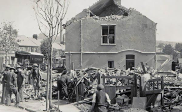 wj edwards helping during the blitz